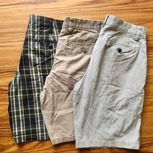 Lot of 3 Men's Chino Shorts Banana Republic Gap 32